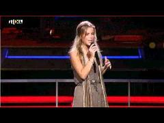 Jennifer Ewbank sings Easy Like Sunday Morning - The Voice Sing Off