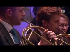 Mozart, 40th symphony two horns solo